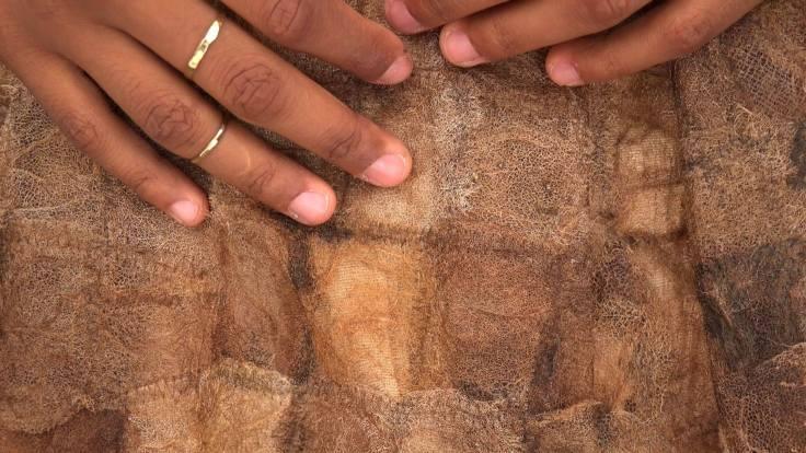 Esperanza hands